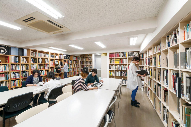 写真:図書室